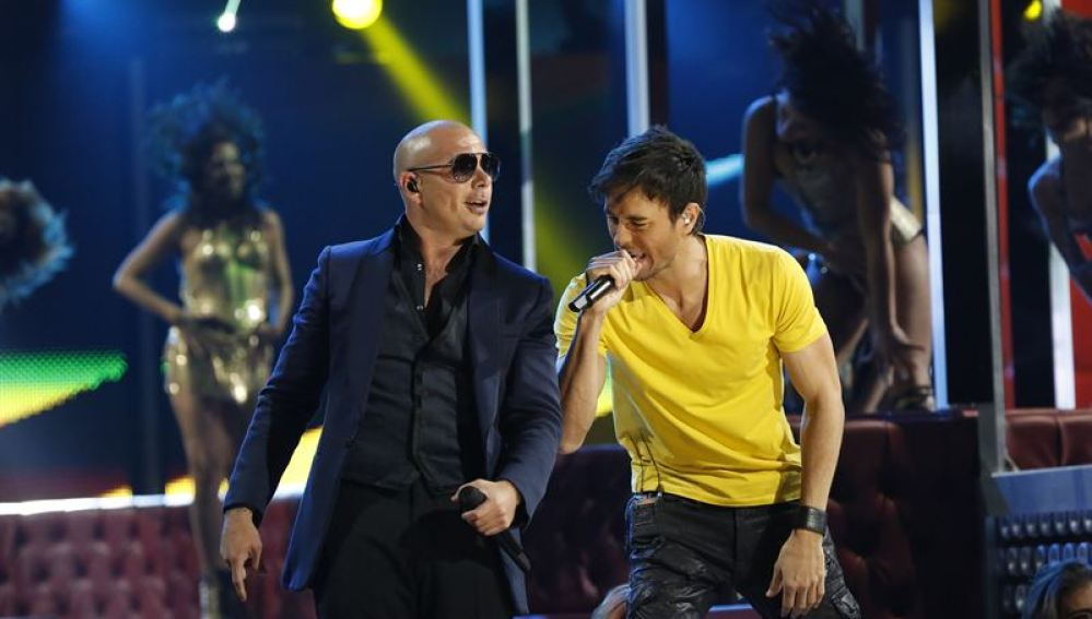 Pitbull y Enrique Iglesias, Premios Grammy Latinos 2013