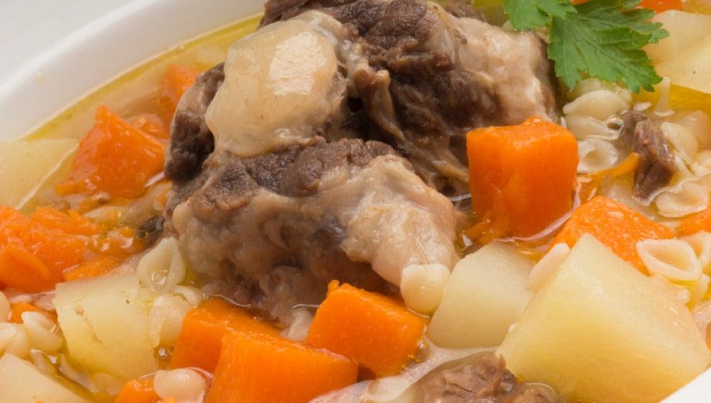 Sopa de rabo, patatas y calabaza