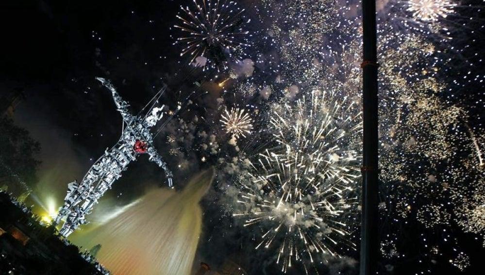 Fuegos artificiales en Barcelona para recibir al 2014