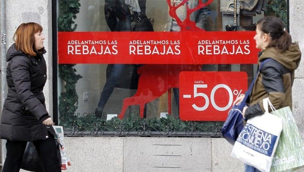 Calle comercial en Rebajas.