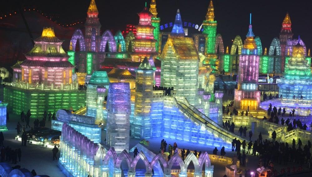 Vista nocturna de la ciudad de Harbin