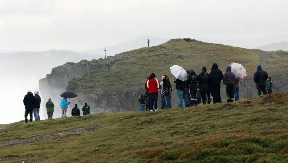 El operativo de búsqueda de las personas arrastradas en Valdoviño