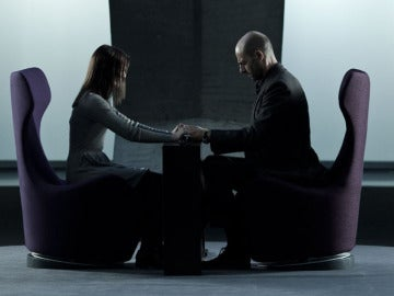Mark Strong y Taissa Farmiga en 'Mindscape'