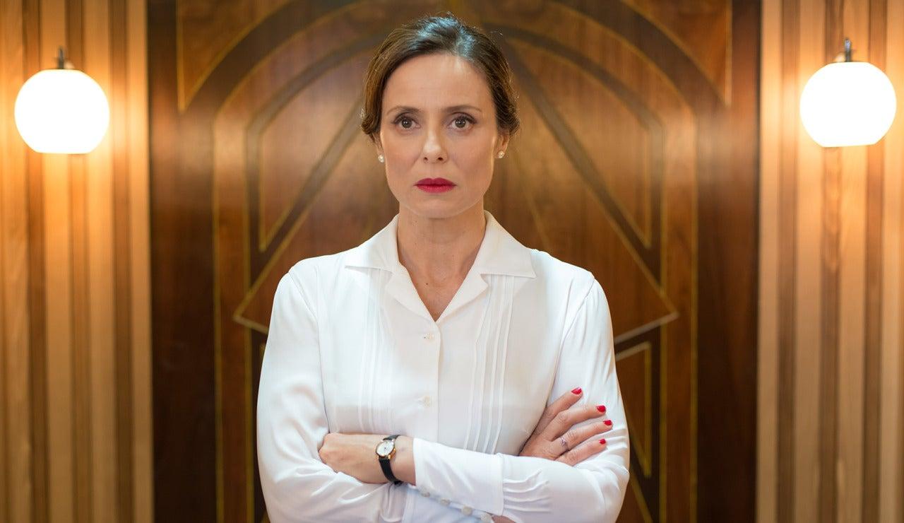 Aitana Sánchez-Gijón es Doña Blanca