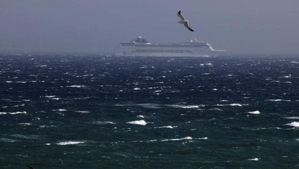 Temporal de viento en el estrecho de Gibraltar.