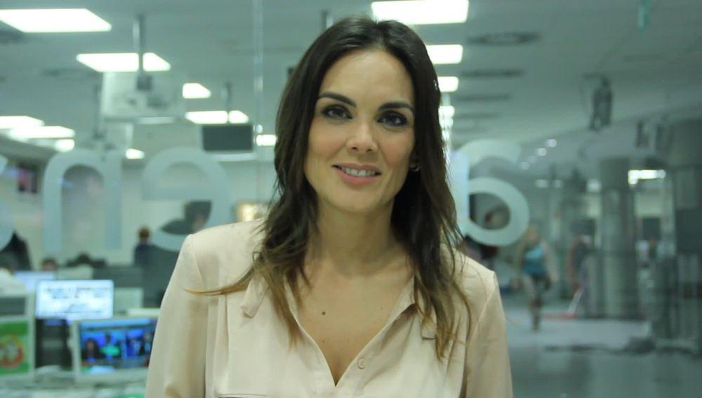 Mónica Carrillo os agradece habernos ayudado a llegar a 500.000 followers en Twitter