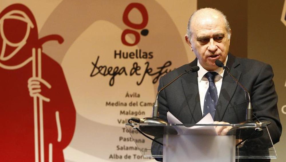 Jorge Fernández Díaz, durante la presentación hoy en FITUR el proyecto 'Huellas de Teresa de Jesús'