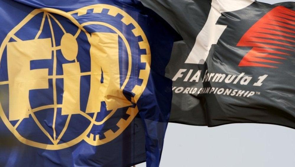 La bandera de la FIA ondeando