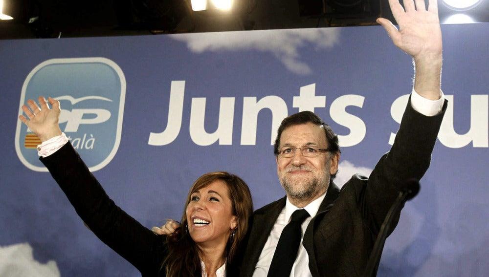 Mariano Rajoy junto a Sánchez-Camacho en la convención del PPC en Cataluña
