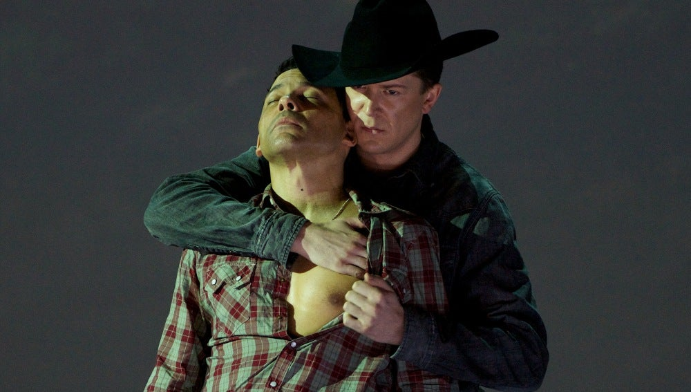 Daniel Okulitch, como Ennis Del Mar, y Tom Randle, como Jack Twist, en la ópera 'Brokeback Mountain'
