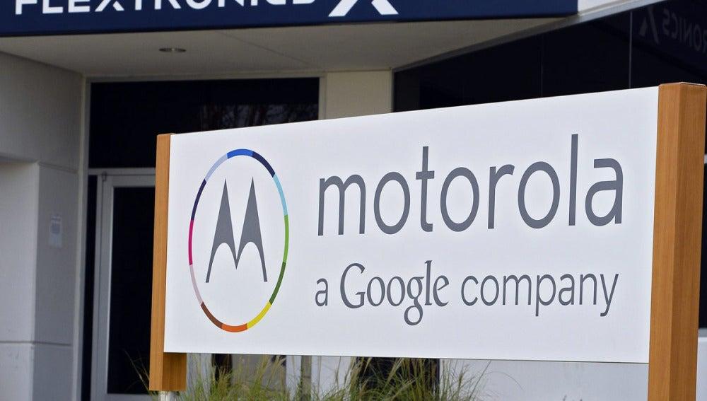 Google vende Motorola Mobility