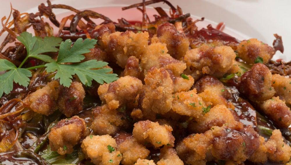 Mollejas de cordero con crujiente de verduras