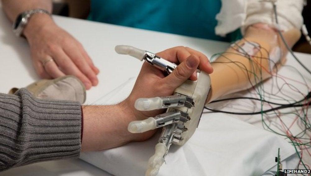 La mano robótica Lifehand 2