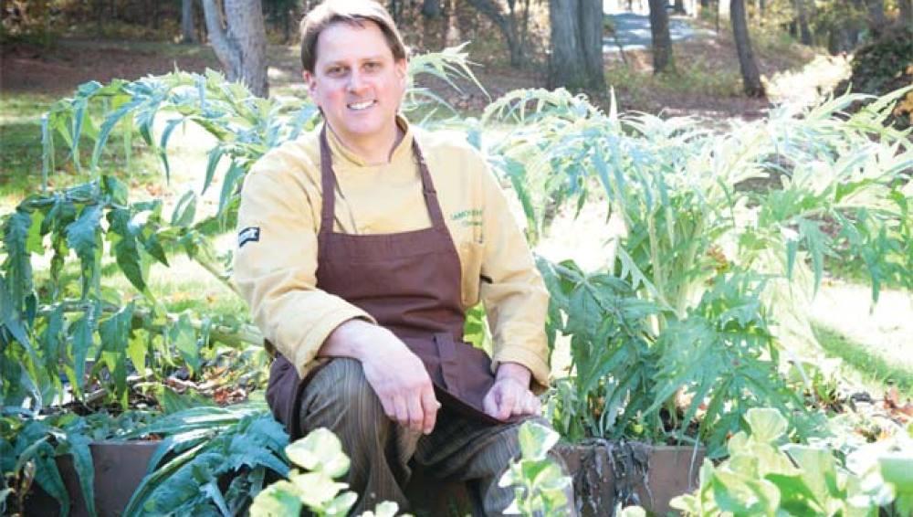 Damon Baehrel, el chef que lo hace todo y tiene cinco años de espera