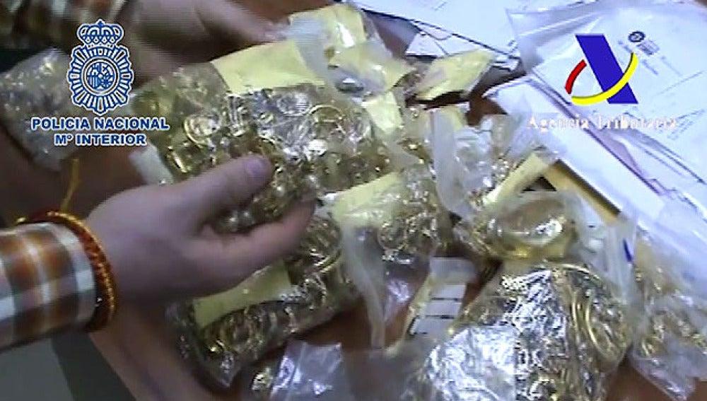 Oro y plata incautados por la Policía Nacional