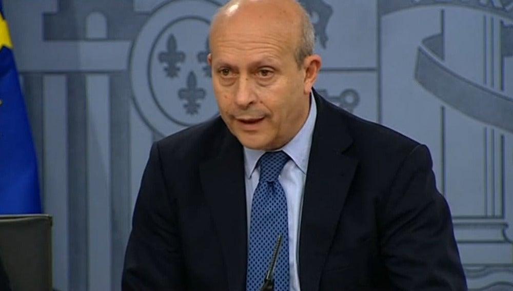 José Ignacio Wert en rueda de prensa