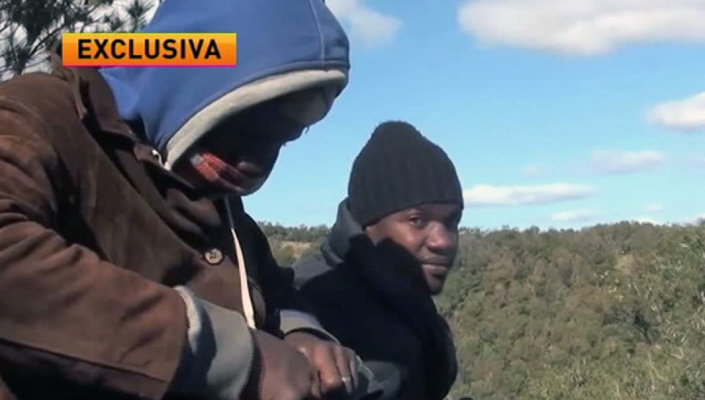 Inmigrantes en un campamento en Marruecos