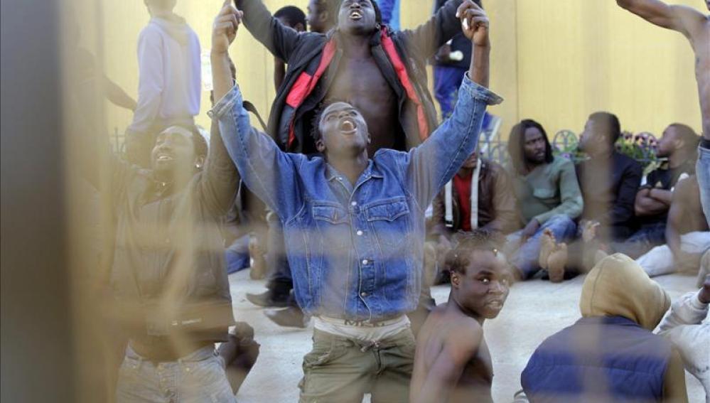 Más de 200 inmigrantes acceden a Melilla, la mayor entrada desde 2005