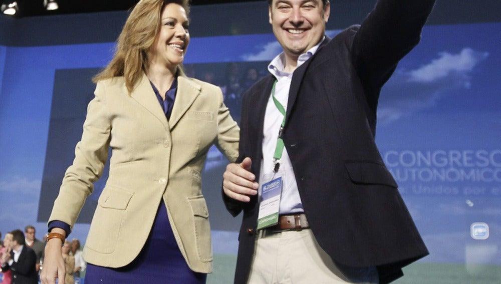 María Dolores de Cospedal, y Juan Manuel Moreno en el congreso regional del PP-A