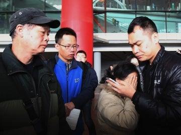 Familiares de los pasajeros del avión desaparecido