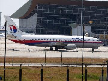 El avión de Malaysia Airlines en el aeropuerto de Kuala Lumpur antes de su desaparición