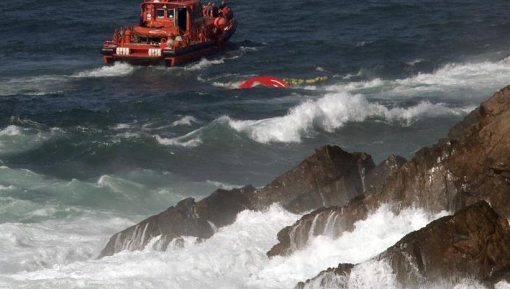 Labores de búsqueda del pesquero gallego con bandera portuguesa