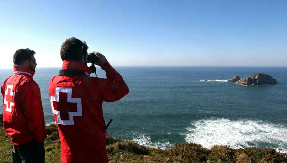 Se reanuda la búsqueda de los seis tripulantes desaparecidos en el naufragio de Asturias