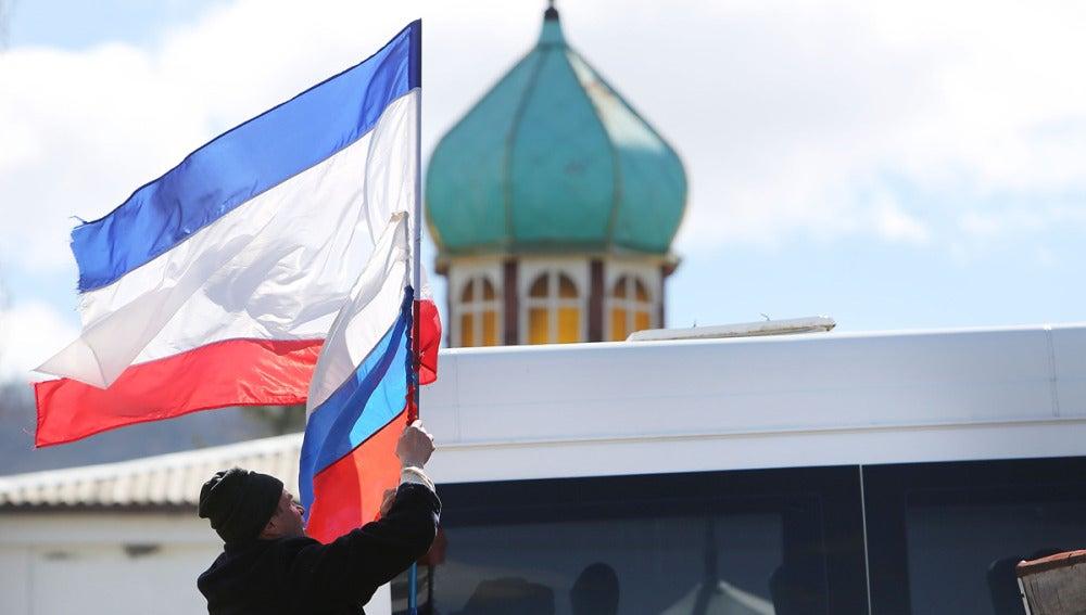 Crimea solicita de manera oficial la anexión a Rusia