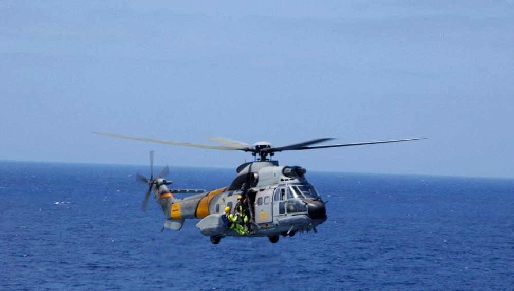 Helicóptero Super-Puma del Servicio Aéreo de Rescate