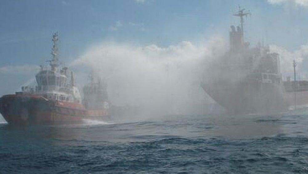 Incendio en un buque mercante en aguas de Tarragona