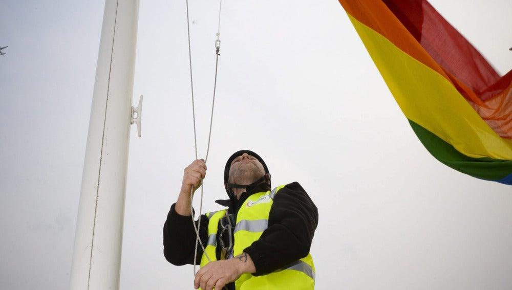 Izan la bandera gay