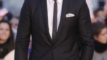 Miguel Ángel Silvestre, impresionante de traje