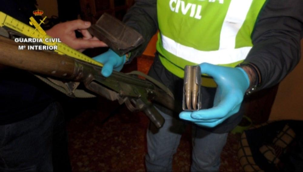 Desmantelado un taller clandestino de armas