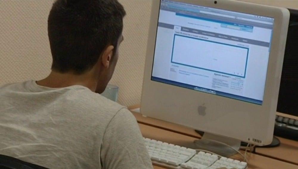 Las universidades españolas sólo tiene un ordenador por cada 15 estudiantes