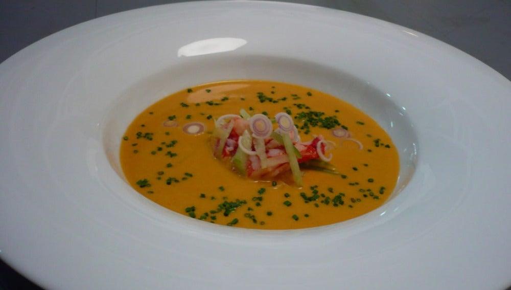 El crujiente de puerros y langostino con crema de marisco. Cocina renacentista adaptada.