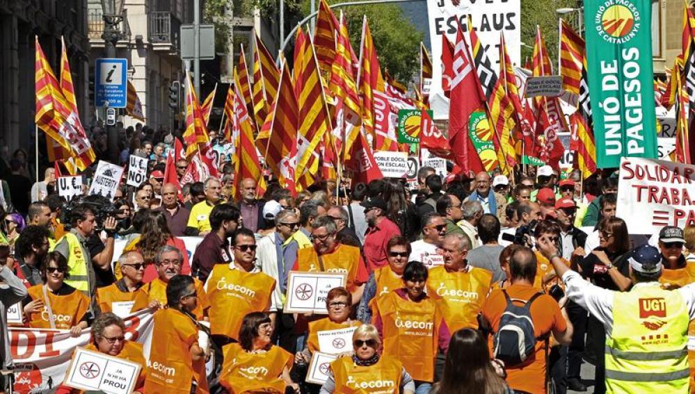 Manifestación en Barcelona contra las políticas de austeridad y los recortes