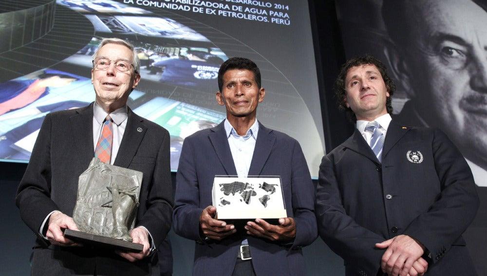 El ingeniero Leslie E. Robertson (i), en los premios de la Fundación José Entrecanales Ibarra