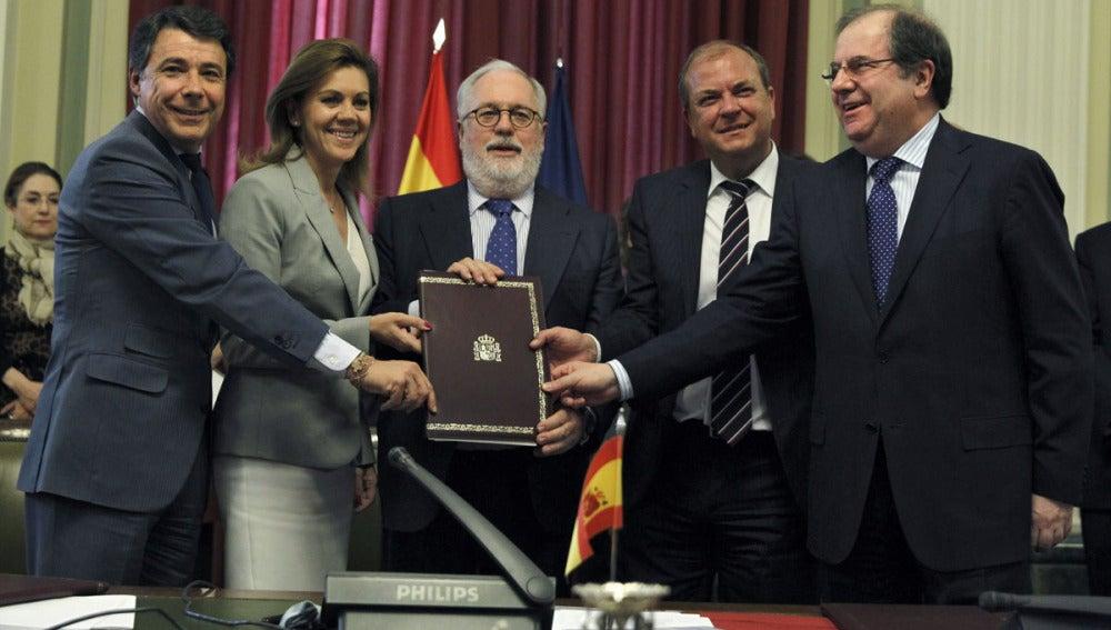 Miguel Arias Cañete con varios presidentes autonómicos