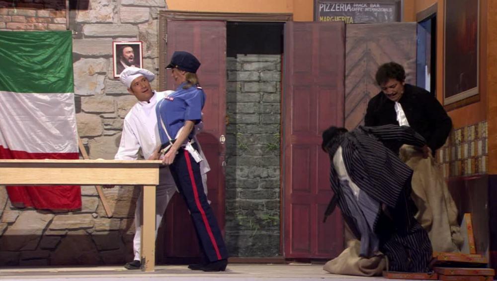 Teatro de pendiente - Por arte de mafia