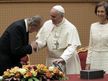 El Papa y los Reyes ríen