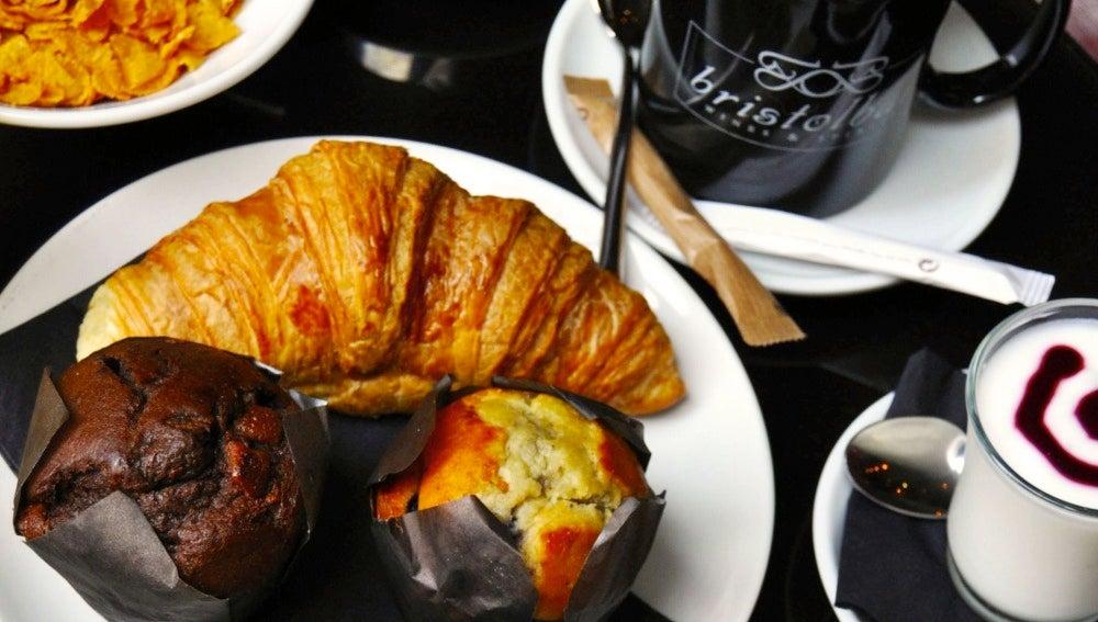 El completo desayuno del Bristol Bar.
