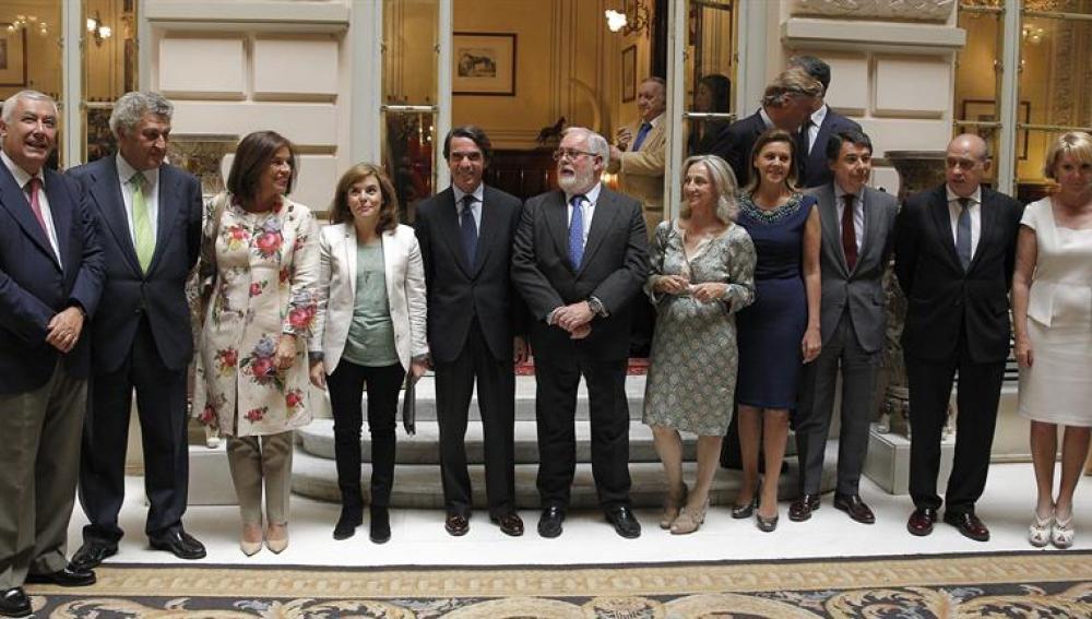 Foto de familia del PP en apoyo a Cañete
