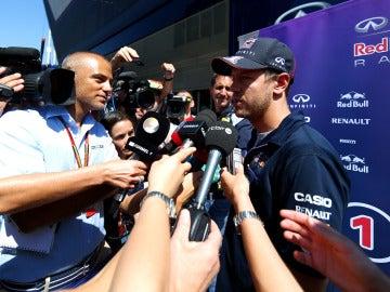 Vettel habla con los medios
