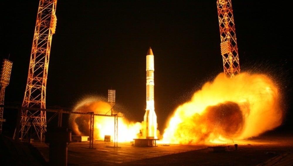 Lanzamiento del cohete Proton-M