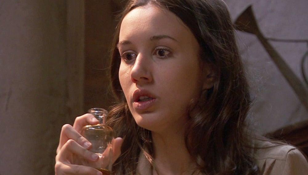 Aurora bebe el veneno para conseguir que Lesmes le dé el antídoto