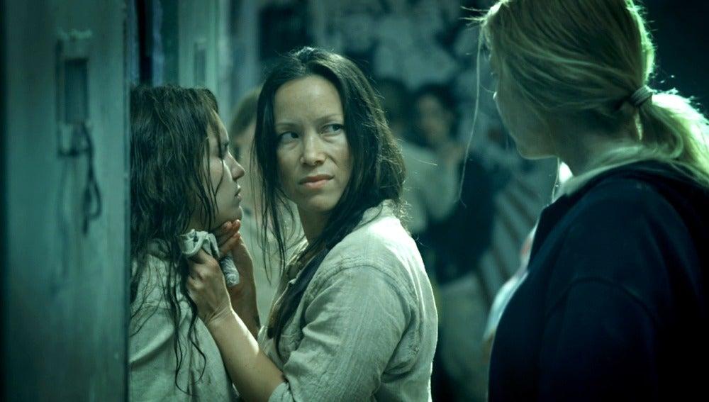 Irina defiende a María