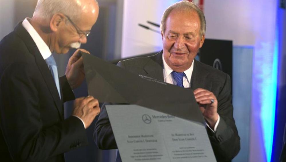 El Rey durante el acto de presentación de los nuevos modelos de Mercedes en Vitoria