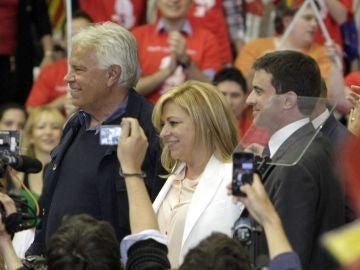 Elena Valenciano, Felipe González y el primer ministro francés Manuel Valls