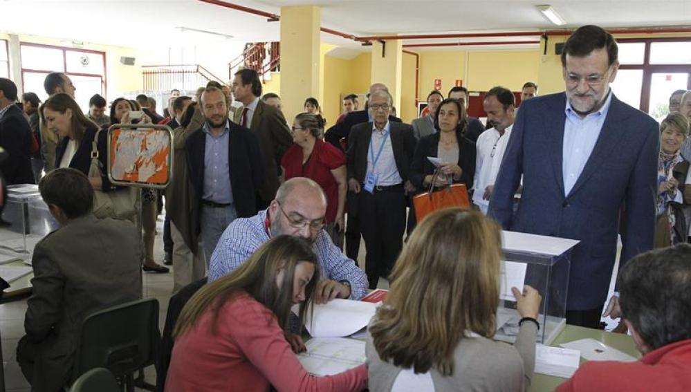 Rajoy vota en las elecciones europeas