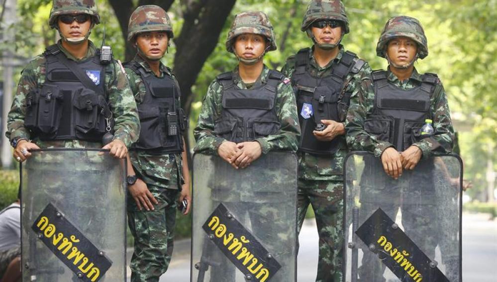 Soldados tailandeses en Bangkok